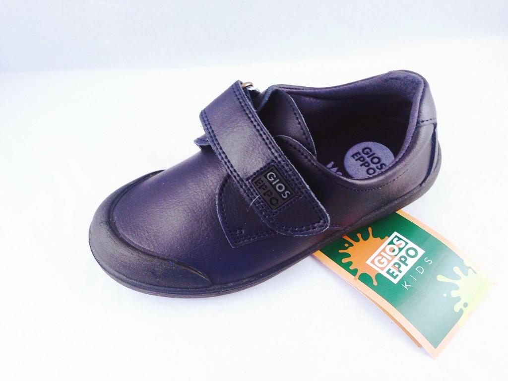 información para 92d78 3ab61 Zapato colegial de Gioseppo con refuerzo, velcro y piel lavable