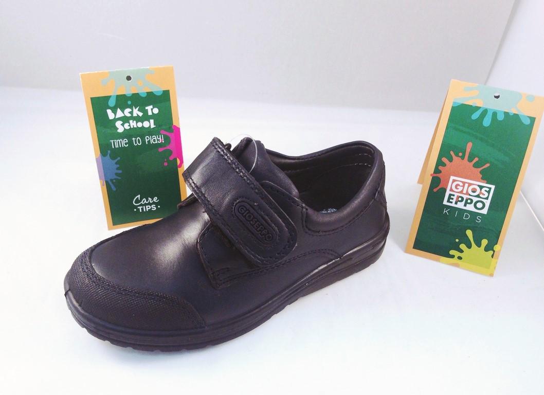 selección premium a8eee 982aa zapato colegial gioseppo en piel para niño y niña con velcro y puntera