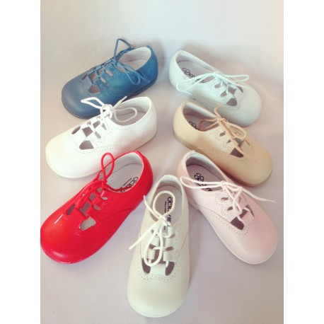 Zapato inglés de cordon para bebé